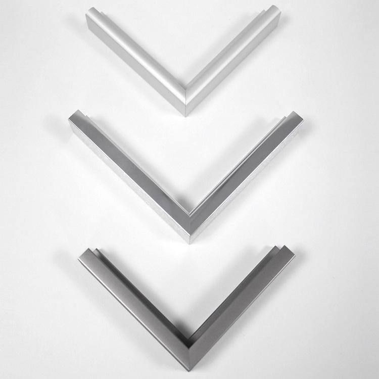 Infrarotheizung-Spiegel-VASNER-Zipris-Rahmen-Alu-Titan-Chrom