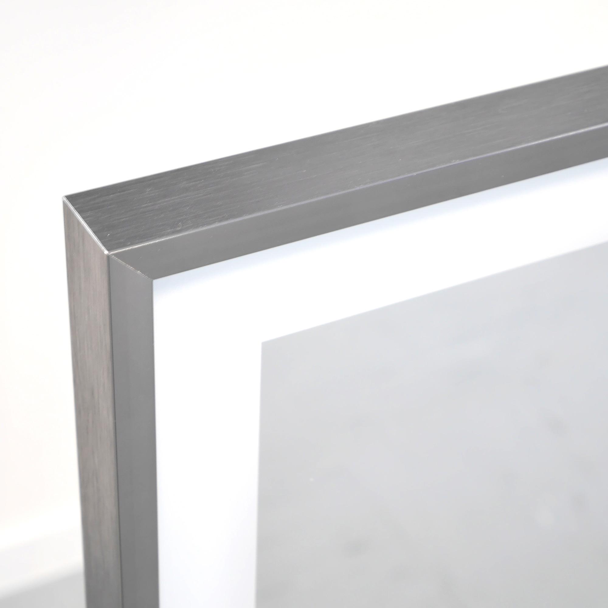vasner zipris s led infrarotheizung spiegel led 360 licht. Black Bedroom Furniture Sets. Home Design Ideas