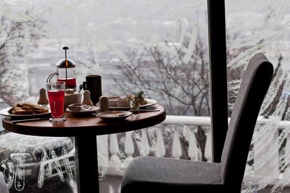 Mit einem Infrarot Heizstrahler Gastronomie Innenräume beheizen