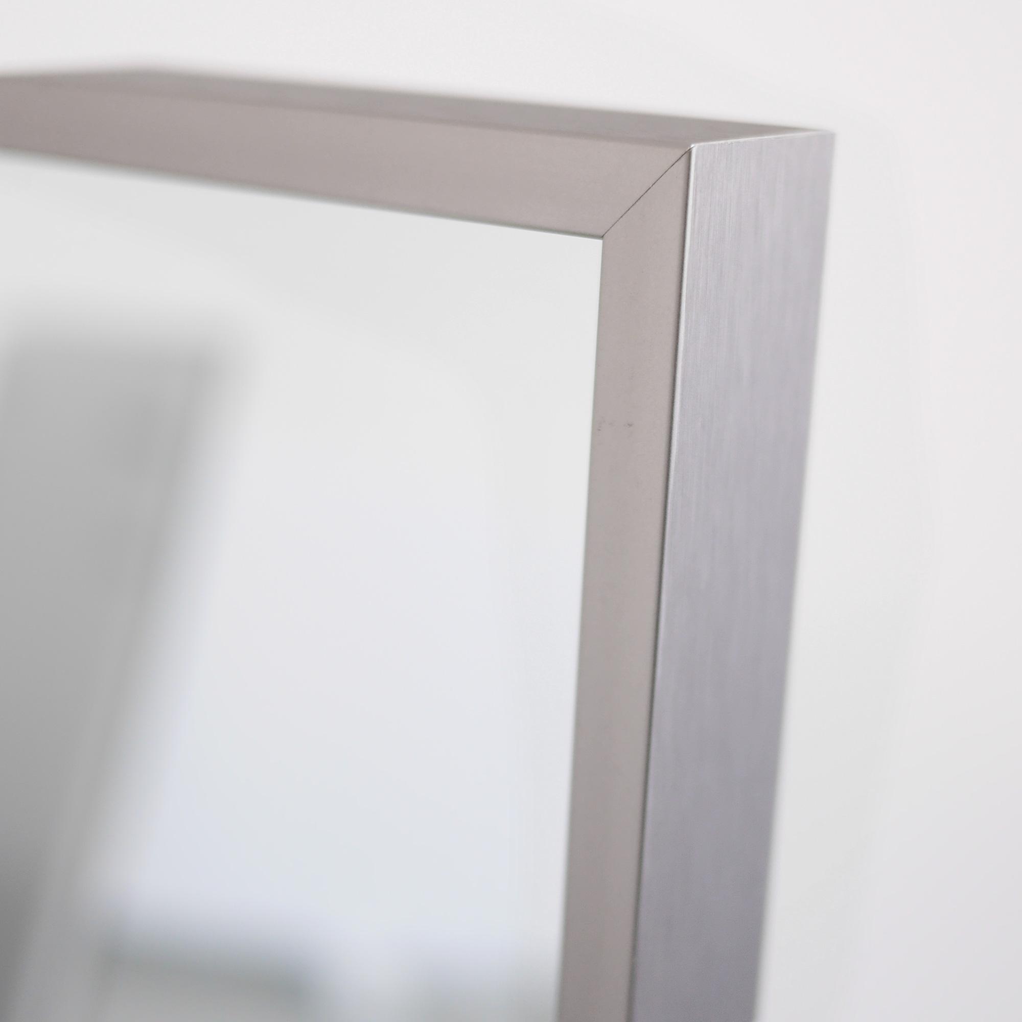 vasner zipris infrarot spiegel neue chrom titan rahmen. Black Bedroom Furniture Sets. Home Design Ideas