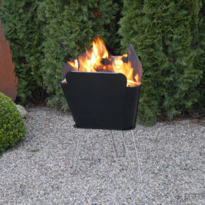 Feuerstellen für den Garten mit erhöhten Seitenwänden
