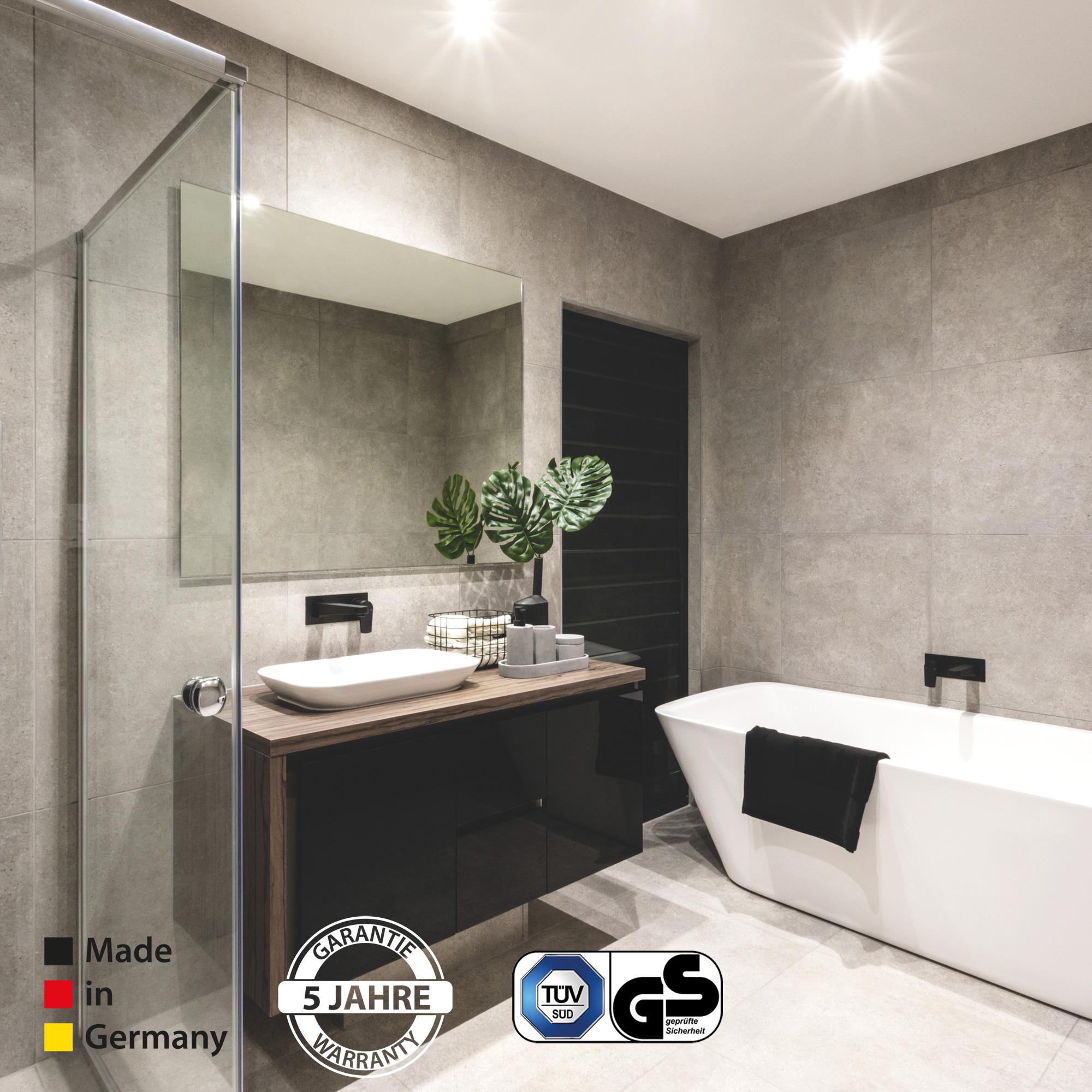 Eine Spiegelheizung stellt die perfekte Wärmewellenheizung fürs Bad dar