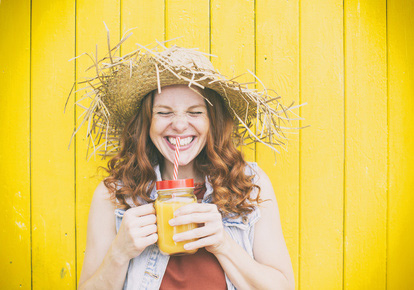 Slow Juicer der Marke VASNER. Alkoholfreier Cocktail Rezept Idee Mango Driver - Erfrischt die Gäste auf Ihrer Sommerparty
