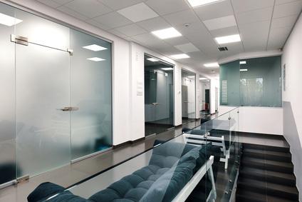 Infrarot Rasterdeckenheizung für Büros, Geschäftsräume, Ausstellungen und Arztpraxen