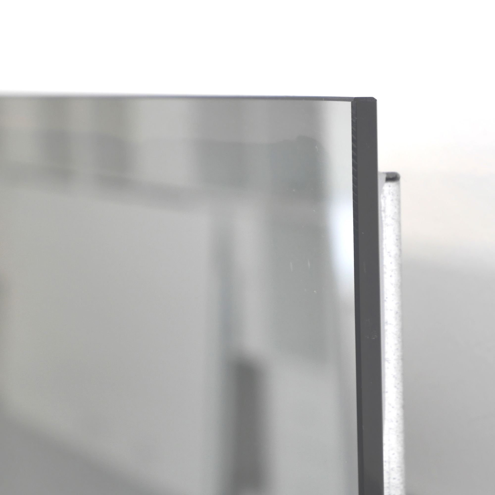 frameless infrared mirror heater with smoothed edges
