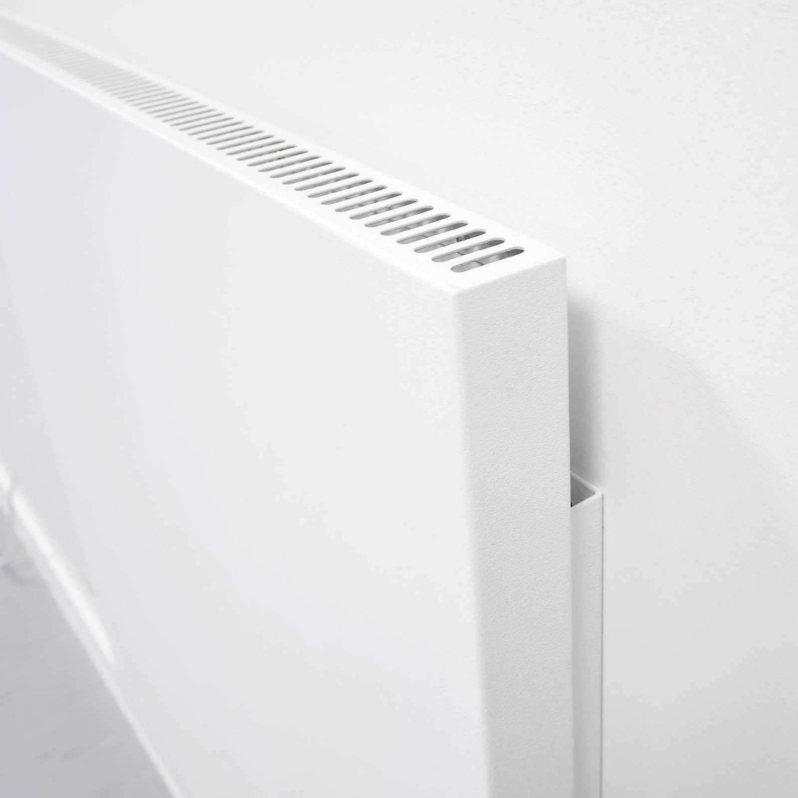 Vertical electric heaters wall mounted