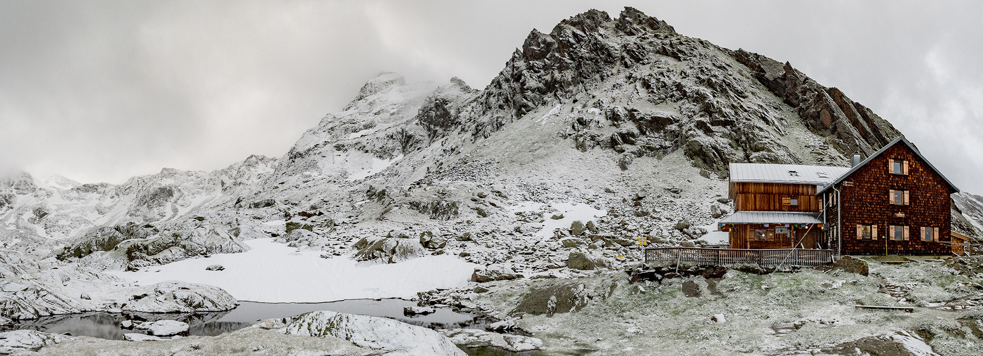 Erfahrung Infrarotheizung Stromverbrauch senken alpine Berghütte Wanderhütte